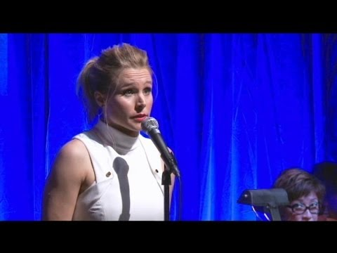 Thumbnail: Kristen Bell Sings 'Frozen' Song In All Voices of Anna