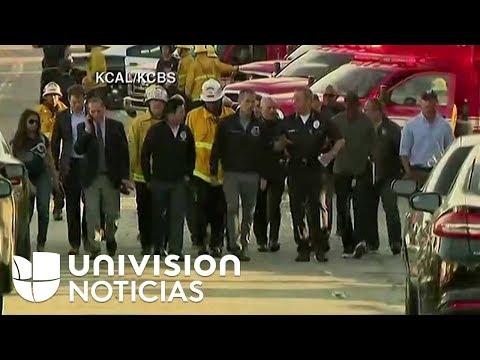La Policía de Los Ángeles responde a un hombre atrincherado con rehenes en un supermercado.