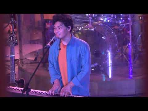 I Still Love You - TheOvertunes (Live Summarecon Mall Bekasi 2018)