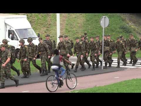 Peloton militairen in de Bijlmer- Amsterdam Zuidoost?