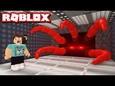ESCAPE AREA 51 OBBY!! | Roblox Adventures