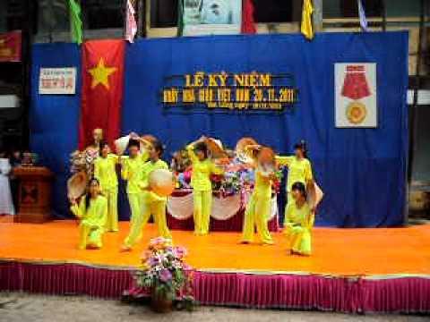 Mua Que toi- Doan truong THPT Yen Lang- ML HN: