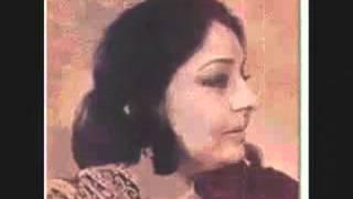 "Munir Niazi Ghazal ""Baychan Bahot Phhirnaa"" Farida Khanum"
