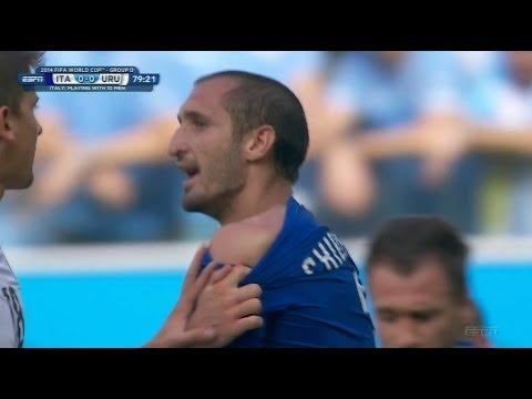 Luis Suarez Bites Italian Defender At World Cup, Uruguay Advances