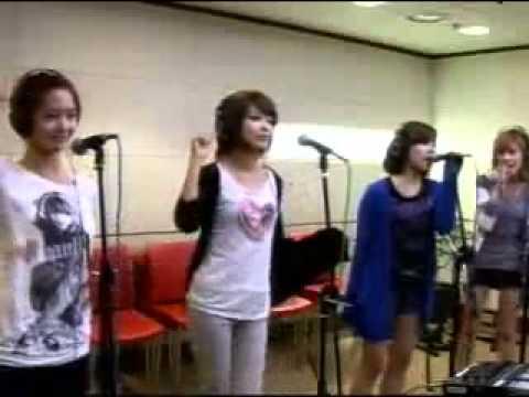 SNSD- Genie (2009-07-01 MBC RADIO FM4)