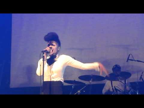 Janelle Monae - Oh Maker -  @ Transmusicales 2010