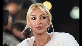 «Он не хотел прикасаться к дочке»: Лера Кудрявцева откровенно рассказала о муже, родах, и няне