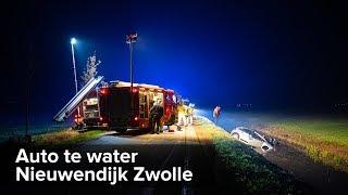 Auto te water Nieuwendijk Zwolle - ©StefanVerkerk.nl
