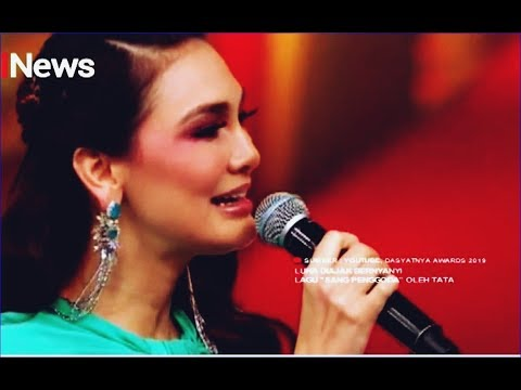 Luna Maya Terdiam Saat Tata Janeeta Nyanyikan 'Sang Penggoda' - ISeleb 29/03