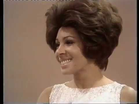 Shirley Bassey -  Smoke Gets In Your Eyes  - 1971 -