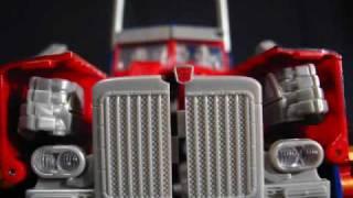 Optimus Prime Transforming