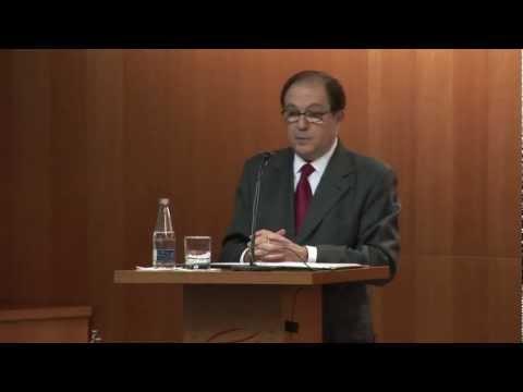 Jordi Llovet Dóna La Seva Biblioteca De 30.000 Llibres A La UPF