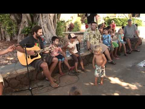 Jack Johnson Singing to Children