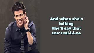Glee - Uptown Girl (lyrics)
