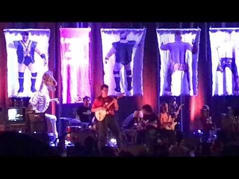 Mac Demarco - My Kind Of Woman (Live at Radio City Music Hall)