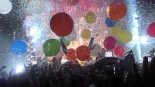 Baixar Miley Cyrus & Her Dead Petz - Love Money Party - Milky Milky Milk Tour, Chicago 11-19-2015