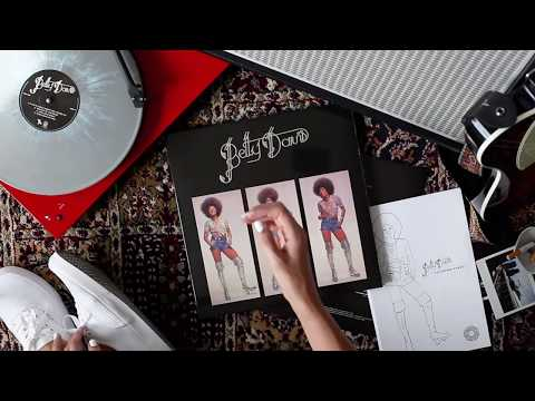 Betty Davis - Vinyl Me, Please' July 2017 Record of the Month Unboxing