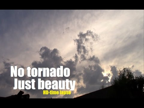 Amazing Oklahoma skies - time lapse video of clouds rolling by
