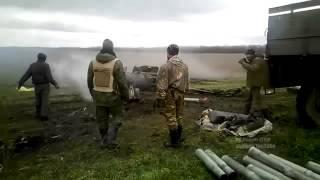 Война видео Украина Донбасс  2015  обстрел из Гаубицs «Рапира» +18 Ukraine news today online