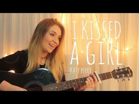 I Kissed a Girl (Katy Perry)   Luiza Winck Acoustic Cover