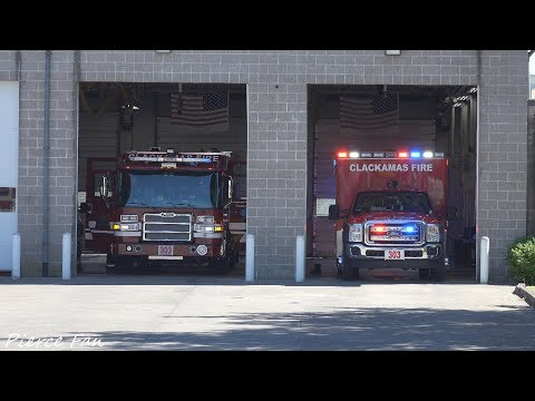 Engine 303 + Medic 303 Responding Clackamas Fire (2017 Pierce Dash CF PUC Pumper) [4K]