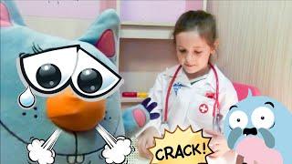 Играю в ветеринара. Игра доктор лечит зверей. Видео, где дети играют в игрушки