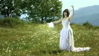 kate bush. Suspended in Gaffa. The Dreaming