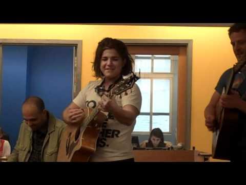 Daphne Willis Performs
