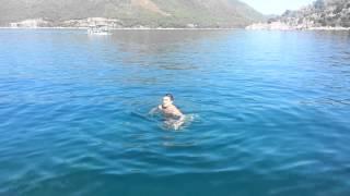 Первое плавание в море