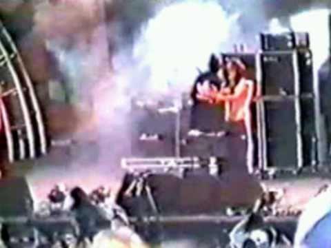 "Korn - Ball Tongue - Tinley Park, IL - USA : ""World Music Center"" - May 26th 1996"