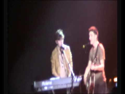 Golden- The Wanted on tour 2011