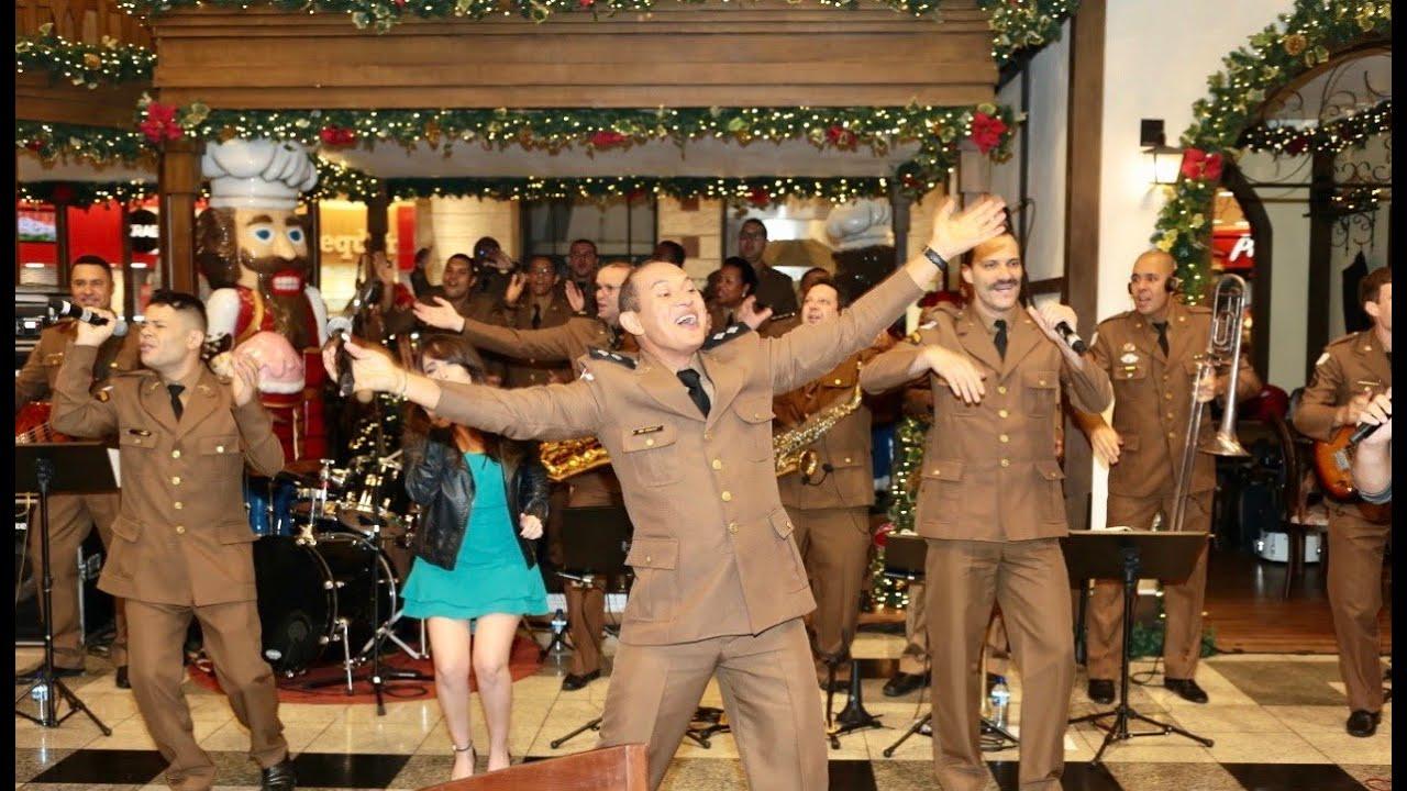 Vídeo do natal de 2019, com apresentação musical da PMMG em shopping, circula nas redes sociais