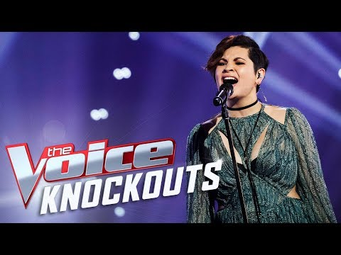 Annalisse Walker sings Clown | The Voice Australia 2017