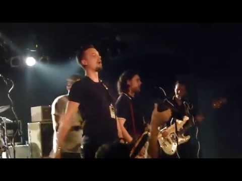 Kraftklub und Zugezogen Maskulin - Blitzkrieg Bop Live in Prag 11.10.2014