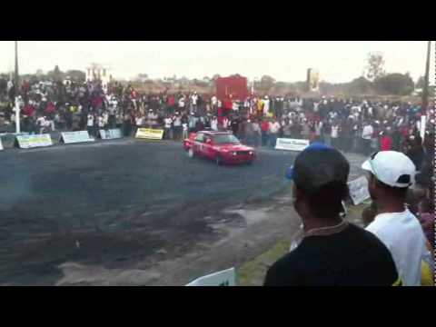 BMW 325i Drift, Burnouts Competition #1