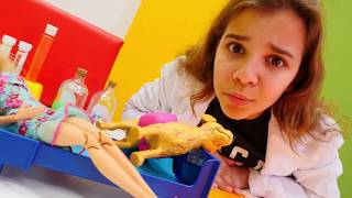 Oyuncak Barbie ve köpeği - kız eğlenceli videoları
