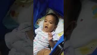 Gambar cover Bayi 7 bulan berlajar bicara...