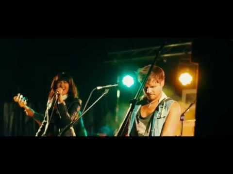 Coyote- International Party Band - Rewind Festival 2015