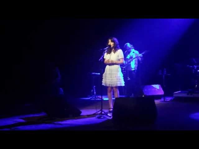 Clarice Falcão - Talvez (Coquetel Molotov 2013 - Teatro UFPE) Travel Video