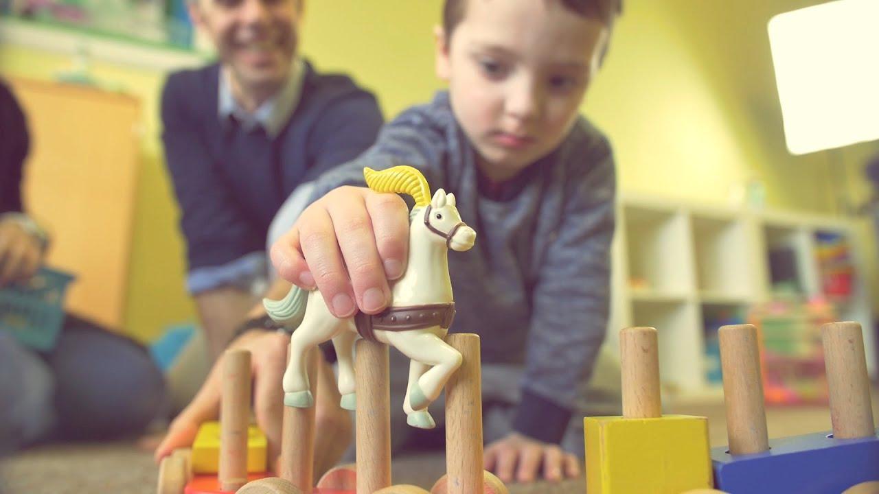 التوحد عند الأطفال، اضطراب التوحد، أعراض التوحد، عالم التوحد، منصة إدراك
