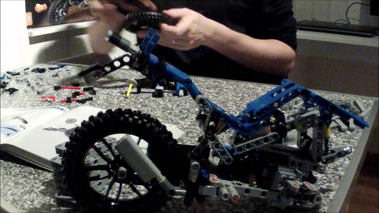 lego technic 42063 bmw r1200 gs youtube. Black Bedroom Furniture Sets. Home Design Ideas