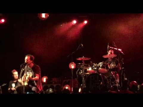 Pearl Jam - Man of the Hour - Chicago, IL Wrigley Field 8/22/2016