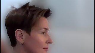 Короткая женская стрижка с удлиненной челкой