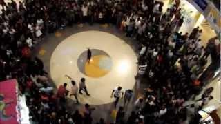 Flash Mob at Oberon Mall, Cochin, December 16, 2011 - No Hate Mate!