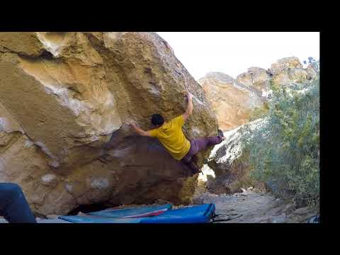 Acid Wash Sit Right V9 -  Happy Boulders, Bishop