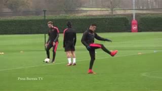 Arsenal training pre FC Koln 22 11 2017
