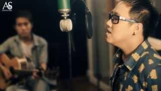 [MV] Nhìn lại - Trung Quân, Duy Phong, Trung Kiên at Acoustica Studio
