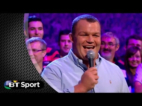 Matt Stevens performs 'Mack the Knife' | Rugby Tonight