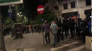 Protestatar pașnic bătut de jandarmi fără niciun motiv