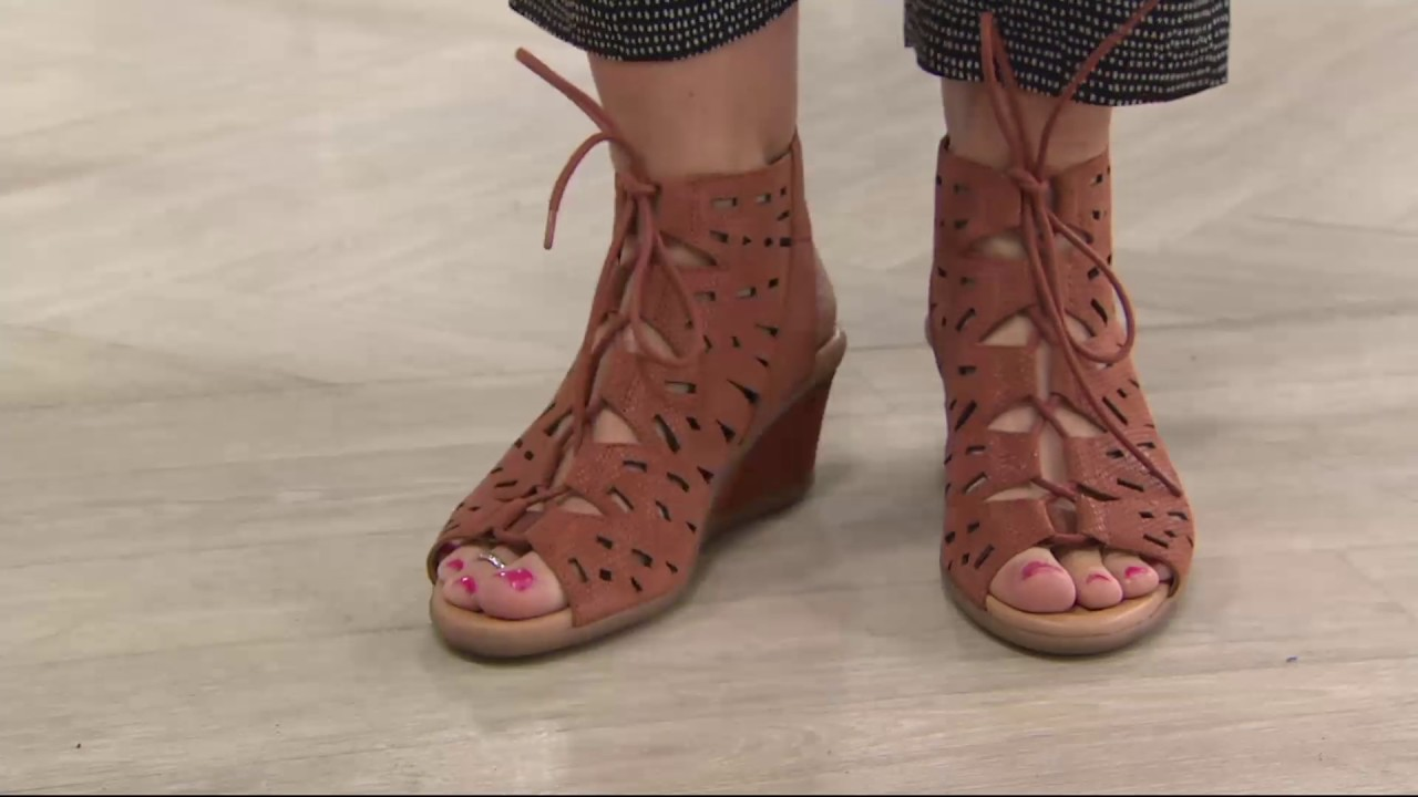 Earth Nubuck Leather Lace Up Wedge Sandals Daylily On